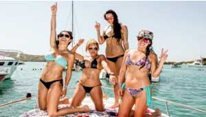 bachelor-and-bachelorette-yacht-party-puerto-aventuras