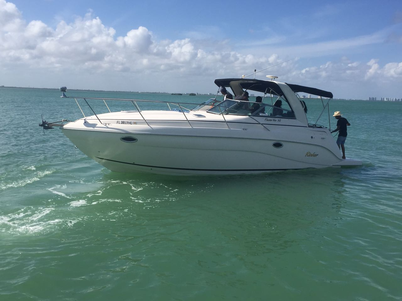 Rent Small Yacht For Tour